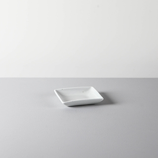 SQUARE DISH _ 01 _ WHITE