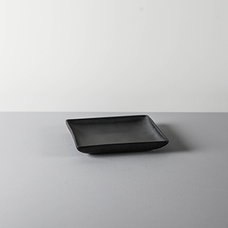 SQUARE DISH _ 02 _ BLACK
